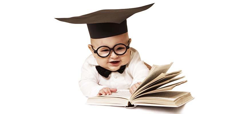 ребёнок с книгой