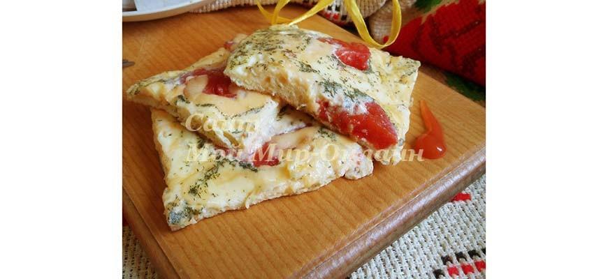 Омлет с сыром и маринованными помидорами