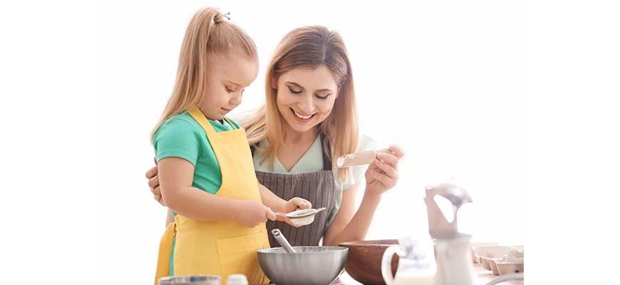 приучить ребёнка помогать по дому